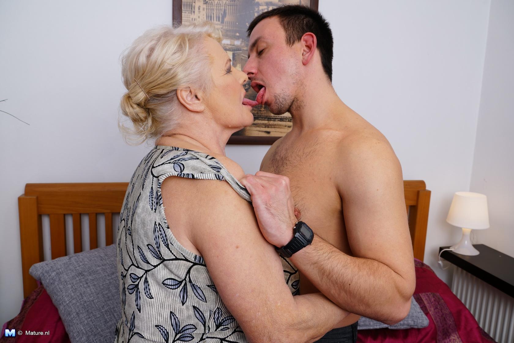 Wife bang blowjob
