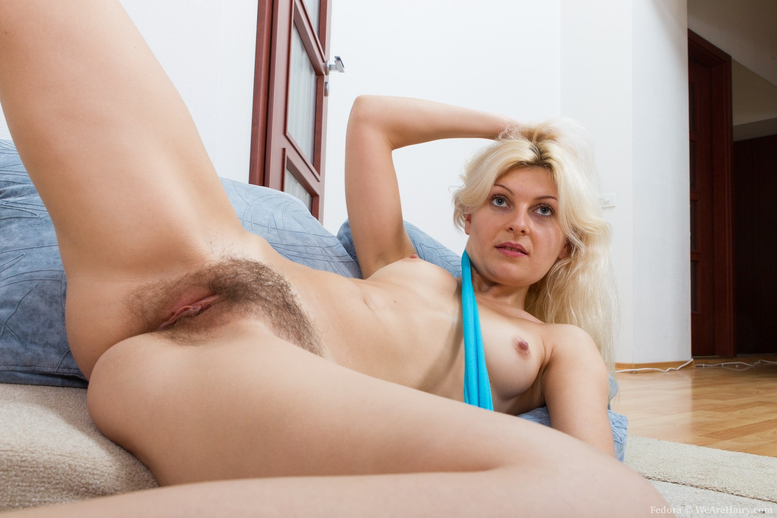 Блондинки волосатые секс видео